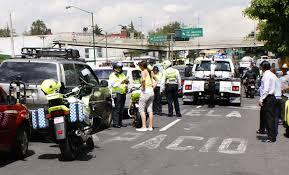 Policías preventivos infraccionan indebidamente en el DF.