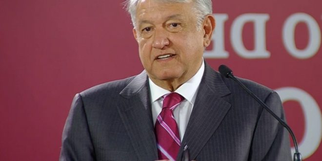 Obrador ha firmado para cancelar la reforma educativa
